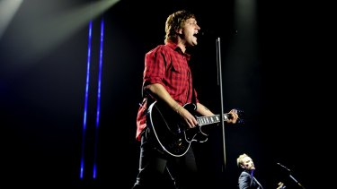 'Gutted' ... Rob Thomas has apologised for an insensitive 'joke' about indigenous Australians at his gig.