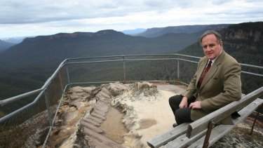 """Strong voice: Bob Debus at Leura in the Blue Mountains in 2007. The former NSW environment minister said a federal government report into the environmental impact of Badgerys Creek paid """"cursory attention"""" to the world-heritage value of the country's most visited national park."""