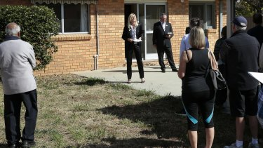 National Australia Bank says the proportion of first home buyers signing up for loans who have the backing of their family has lifted to 6.7 per cent from 4.8 per cent in 2010.