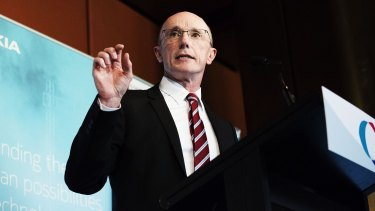 Optus chairman Paul O'Sullivan wants legislation to allow users to quit contracts one they are connected to the NBN.