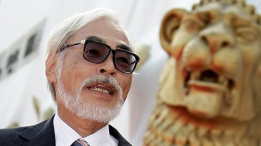 Japanese director Hayao Miyazaki has criticised Japanese Prime Minister Shinzo Abe's plan to widen the role of the country's military.
