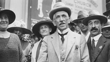 Prime Minister Billy Hughes standing with a crowd on his return from the Paris Peace Conference, Sydney, 1919.