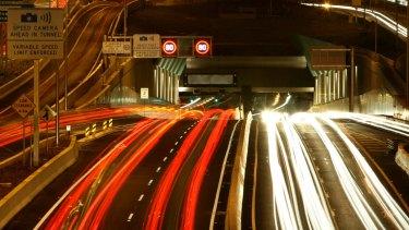 Investors pursue compensation: Courts to investigate Lane Cove Tunnel case.