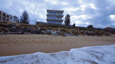 Coastal erosion as seen on the narrow beach running from Narrabeen to Collaroy in Sydney's north in 2009.
