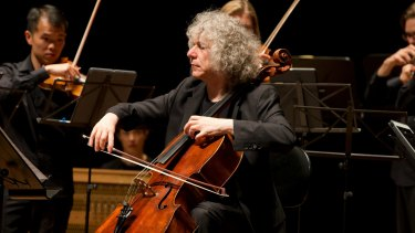 Steven Isserlis with the Australian Chamber Orchestra.