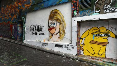 The original mural by Melbourne graffiti artist Lushsux depicted Taylor Swift, painted in response to the spat between Swift and Kim Kardashian.