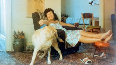 Joan Kirner at home with her dog in 1992.