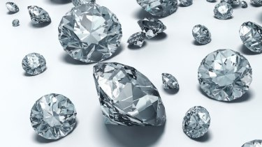 A British man who stole a $250,000 diamond in Cairns a wanted over the theft of a diamond in Sydney.