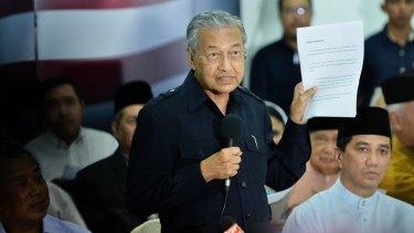 Former Malaysian prime minister Mahathir Mohamad outlines the case against Prime Minister Najib Razak.