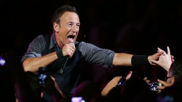 Bruce Springsteen reaches out at Allphones Arena in Sydney on the 2014 tour. Will he return there in 2017?