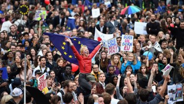 Protests against Brexit: Investors fear London office prices will fall.