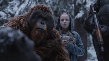 Karin Konoval and Amiah Miller in War for the Planet of the Apes.