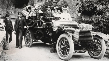 Turn of the century cave tour: Photo of a tourist group at the Jenolan Caves taken circa 1930.