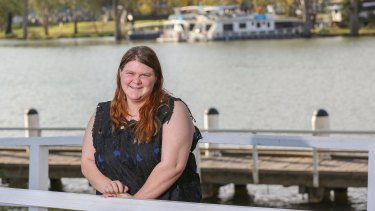 Mildura teen Renee Hunt, 17, was bullied to the point she was forced to drop out of school at age 15.