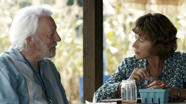 On their final road trip, an ageing couple played by Donald Sutherland and Helen Mirren embrace personal freedom.