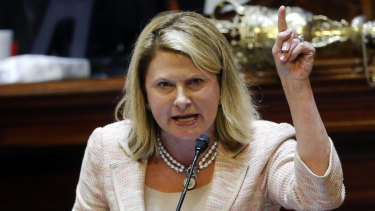 Representative Jenny Horne makes an emotional plea calling for the Confederate flag to be removed from the Capitol grounds in South Carolina.