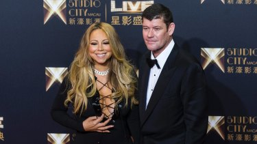 James Packer and Mariah Carey have reportedly moved in together.