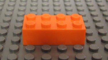 Lego brick 2 x 4