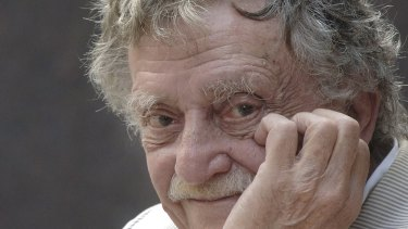 A book of letters from Kurt Vonnegut to the woman who became his wife will be published next year.