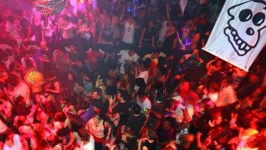 Video: Home Nightclub in Sydney's Darling Harbour.