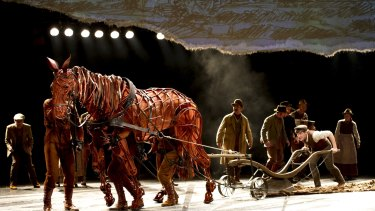 The National Theatre's <i>War Horse</i> used digital animations of charcoal sketches to convey time and place.