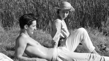 Anna (Paula Beer) finds consolation in Adrien (Pierre Niney) after the wartime death of her fiance.