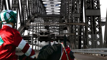 Racing NSW is keen to hold a meeting of up to six races on the Sydney Harbour Bridge.