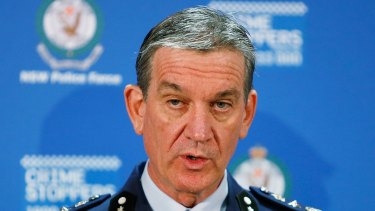 NSW Police Commissioner Andrew Scipione was investigated over allegations he leaked details of a bugging operation, but was cleared within 24 hours to facilitate a plan to promote him.