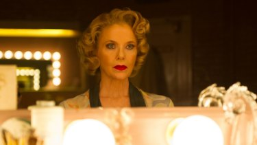 Annette Bening's performance channels years of close observation of what actors are like.