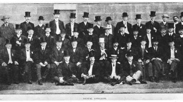 Officers of the first Australian Dental Congress at the University of Sydney, 1907.