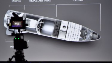 Elon Musk presents his plan for space transport in Adelaide.