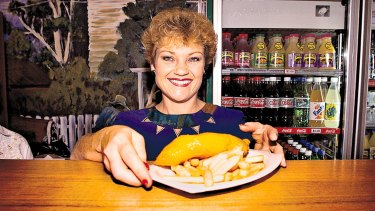 Pauline Hanson serves fish and chips at a shopping centre on the original One Nation campaign trail.