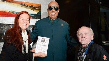 Ritchie Yorke with Stevie Wonder.