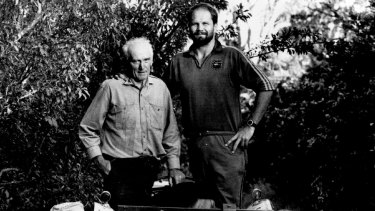 Peter FitzSimons with his father Peter McCloy FitzSimons, a citrus fruit farmer who served in World War Two.