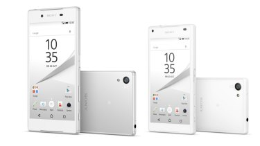 The Xperia Z5 with its smaller sibling the Z5 Compact. Apart from the difference in screens (5.2-inch, 1080p and 4.6-inch, 720p respectively) they're virtually the same phone.