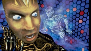 Pierce Brosnan and Jeff Fahey starred in the 1992 science-fiction film The Lawnmower Man, which is to be remade as a virtual reality series.
