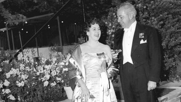 Harold and Zara Holt in 1956.