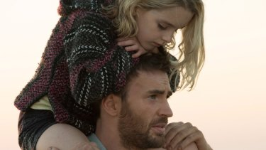 Frank (Chris Evans) and Mary (McKenna Grace) share a special bond in Gifted.