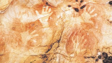 """""""Native sovereigns of the soil"""": Aboriginal rock art in the Grampians."""