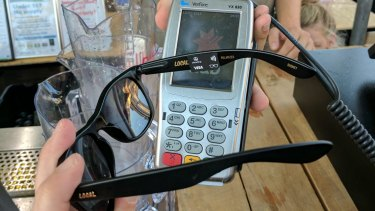 The attached Curl contactless system makes payment.