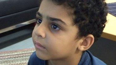 Mohammad Mahdi Eskandarikhah was injured on Nauru after a guard threw a rock at him.
