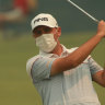 Asthmatic Chisnall wears mask as smoke chokes Australian Open