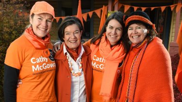 Cathy McGowan (far left) campaigns at the last federal election with volunteers and her sister Ruth (far right).
