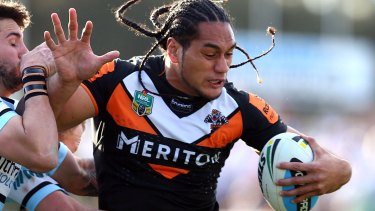 An email mix-up saw Martin Taupau's new contract revealed by a Canadian theatre critic.