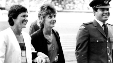 Betty Cuthbert, centre, at the medal ceremony for Raelene Boyle at the 1982 Commonwealth Games.