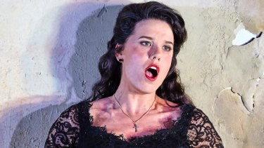 Sian Pendry as Lola in <i>Cavalleria Rusticana</i>.