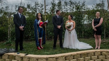 Wonder Woman And The Kardashians Appear At Surprise Canberra Wedding,Long Dress To Wear To A Wedding