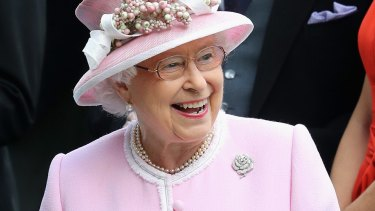The Queen reportedly asked dinner guests for their thoughts on Brexit.