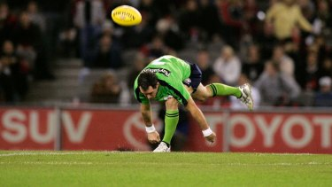 The centre bounce is putting increasing physical and mental strains on umpires, a says AFLUA chief Peter Howe.