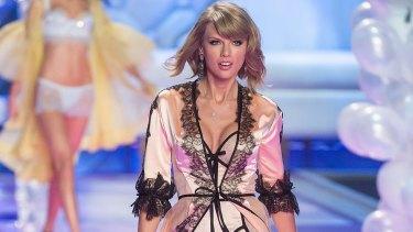 Taylor Swift or Victoria's Secret Angel?